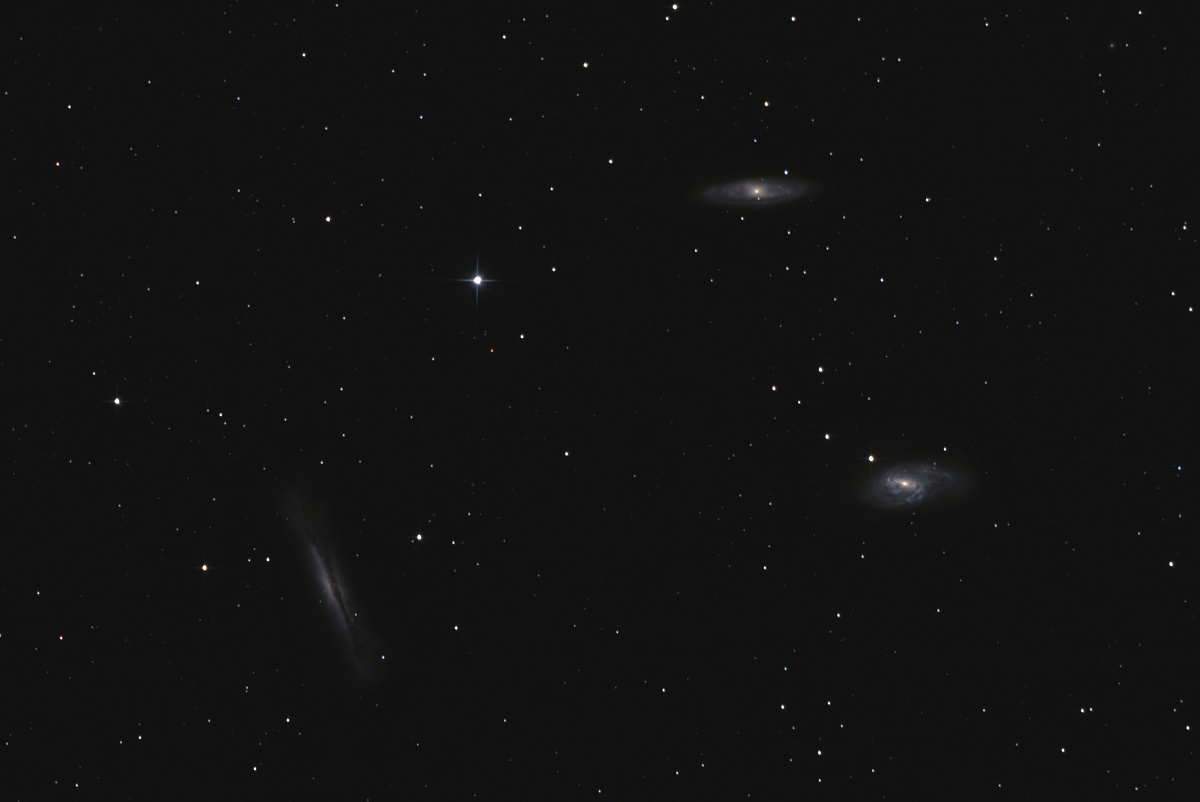 M65,M66 a NGC3628 leo triplet 03_11