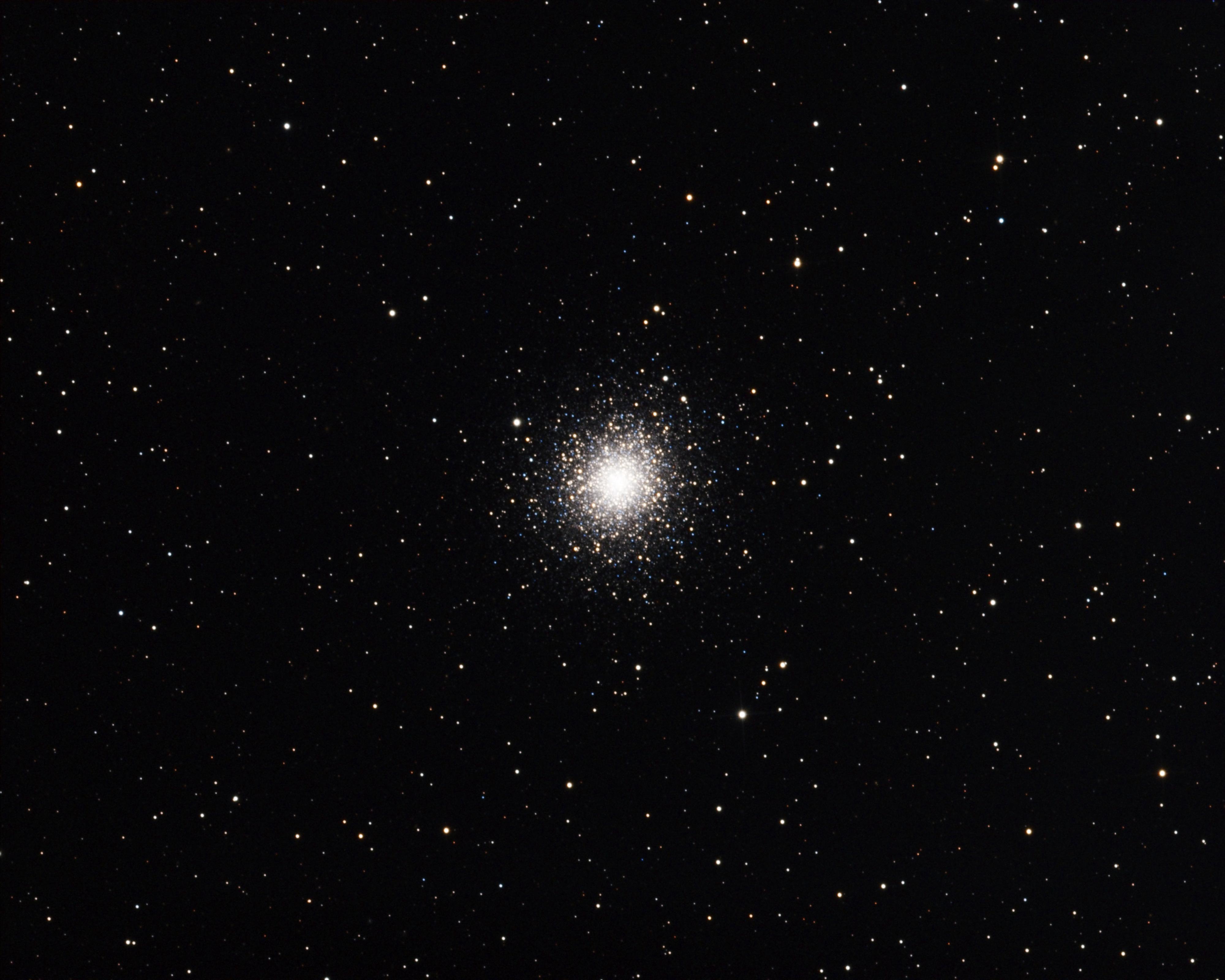 kulová hvězdokupa v souhvězdí Vodnáře, pět stupňů severně od hvězdy Beta Aquarii. Objevil ji Jean-Dominique Maraldi roku 1746 a je jedna z největších známých kulových hvězdokup.
