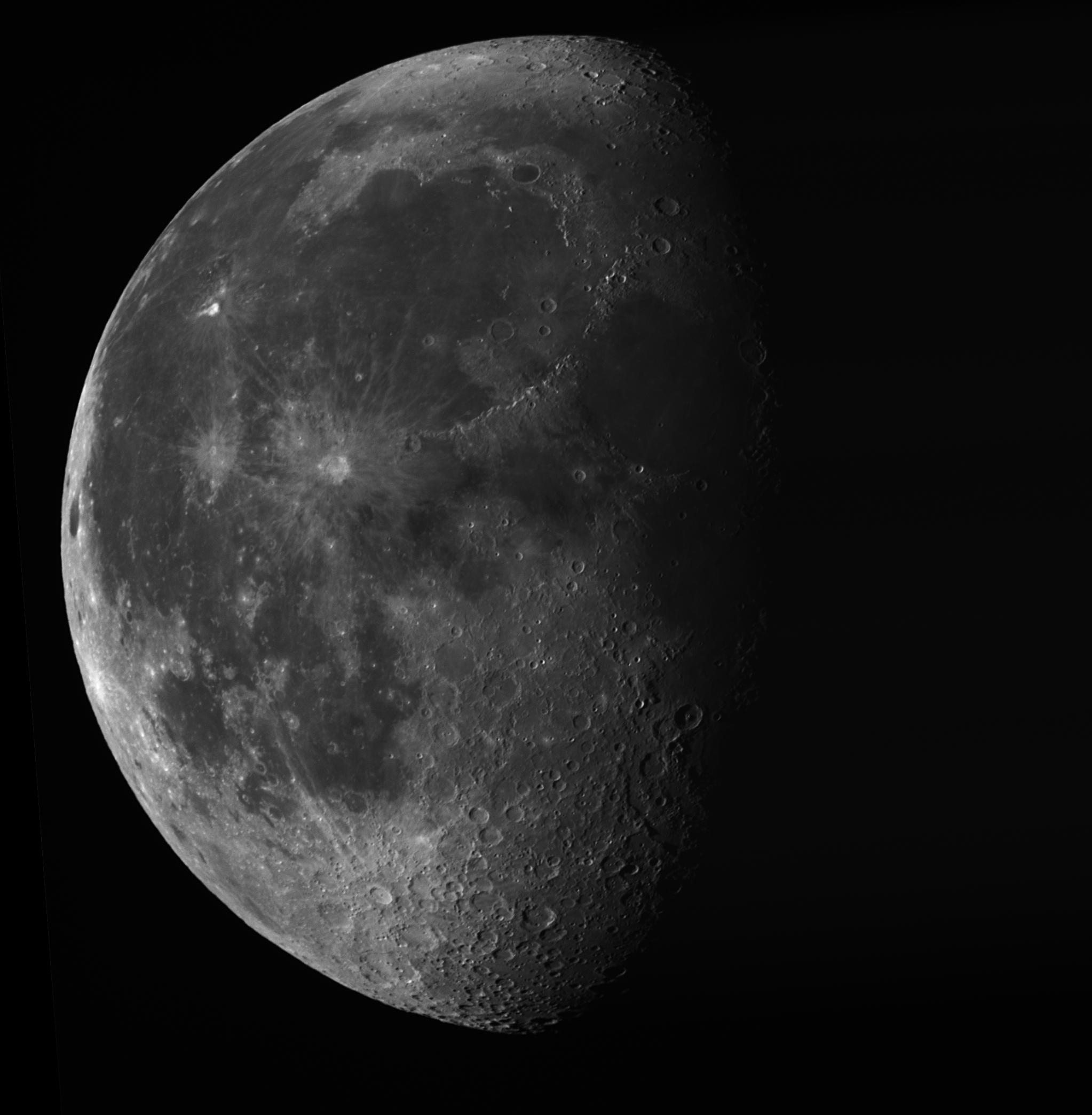 Měsíc 021015